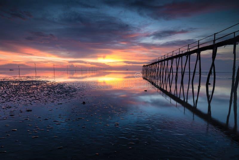 Ponte lungo sottile fotografia stock libera da diritti
