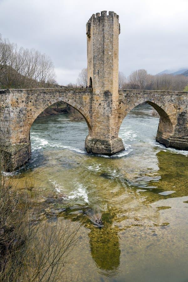 Ponte medievale di Frias a Burgos immagine stock libera da diritti