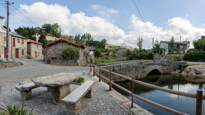 Ponte medievale, guimaraes fotografie stock