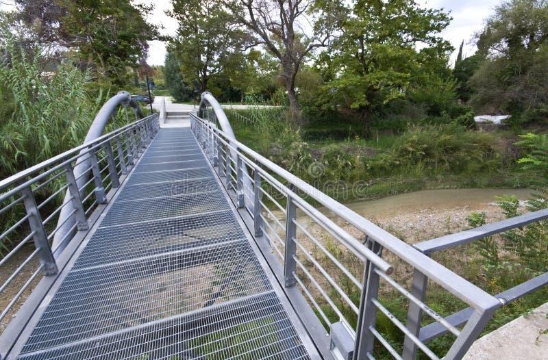 Ponte metálica na Olympia antiga fotos de stock