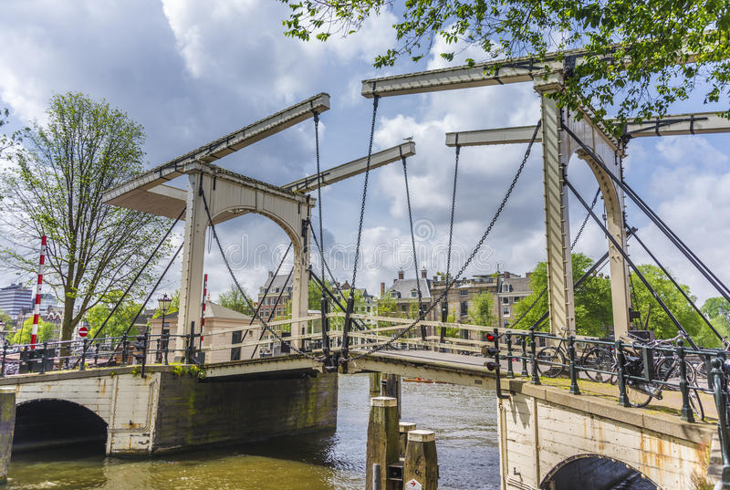 Ponte mobile a amsterdam netherands fotografia stock for Mobile a ponte