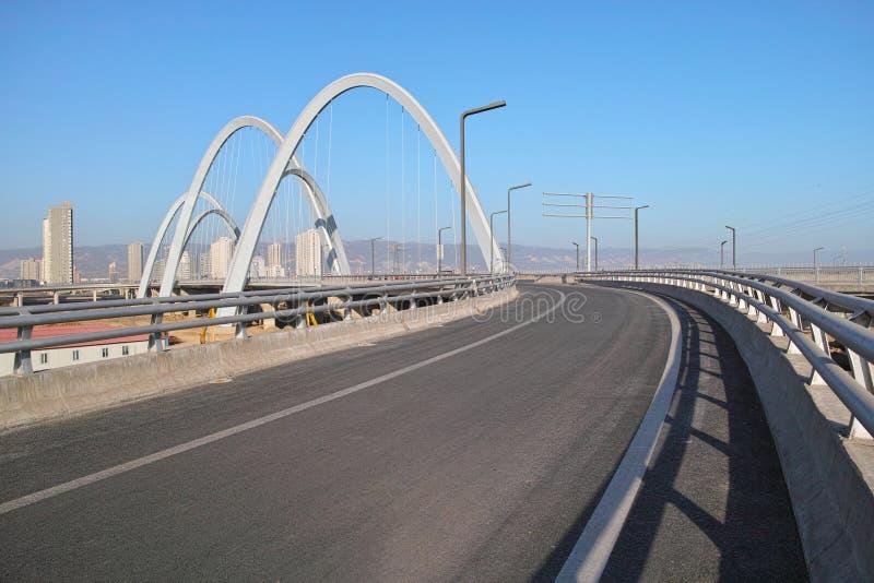 Ponte moderna do arco foto de stock royalty free