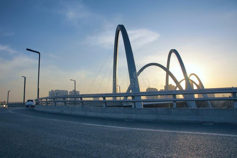 Ponte moderna do arco imagem de stock