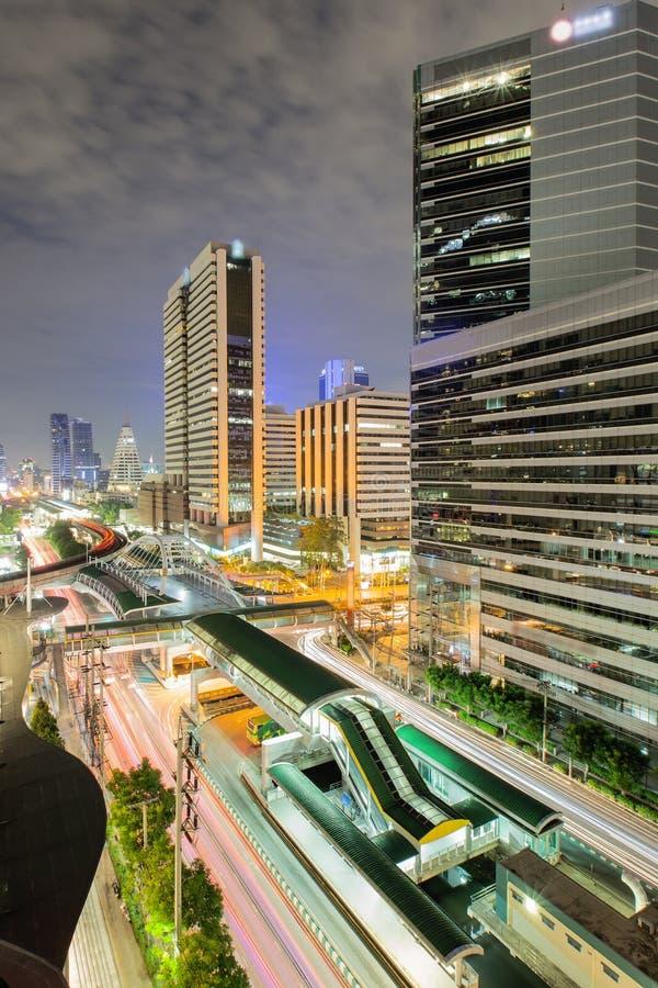 Ponte moderno alla stazione ferroviaria, città di Bangkok fotografia stock