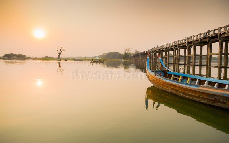 Ponte Myanmar de U Bein imagem de stock