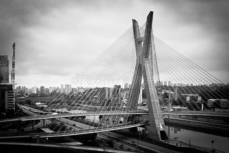 Ponte na cidade de Sao Paulo fotografia de stock
