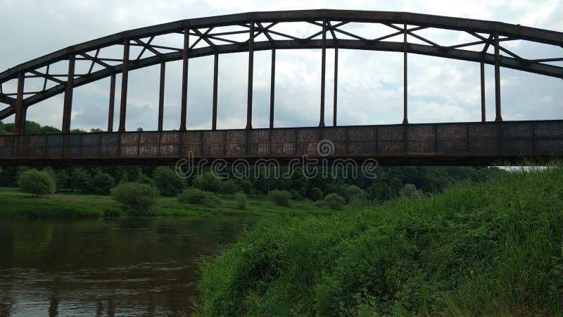 Ponte oxidada sobre o Weser fotografia de stock royalty free