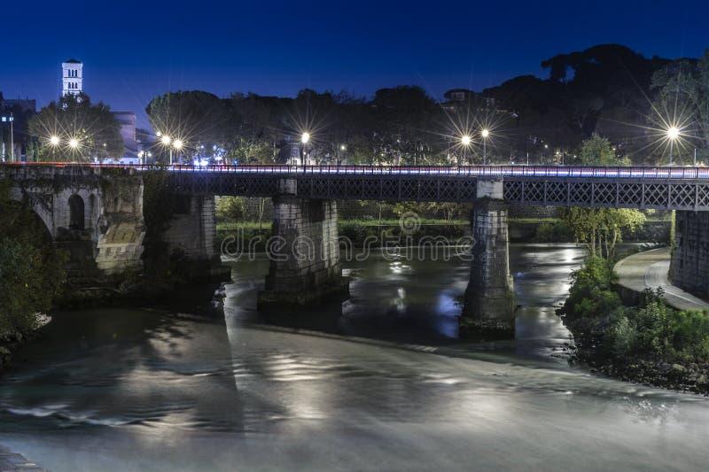 Ponte Palatino в Риме стоковая фотография rf