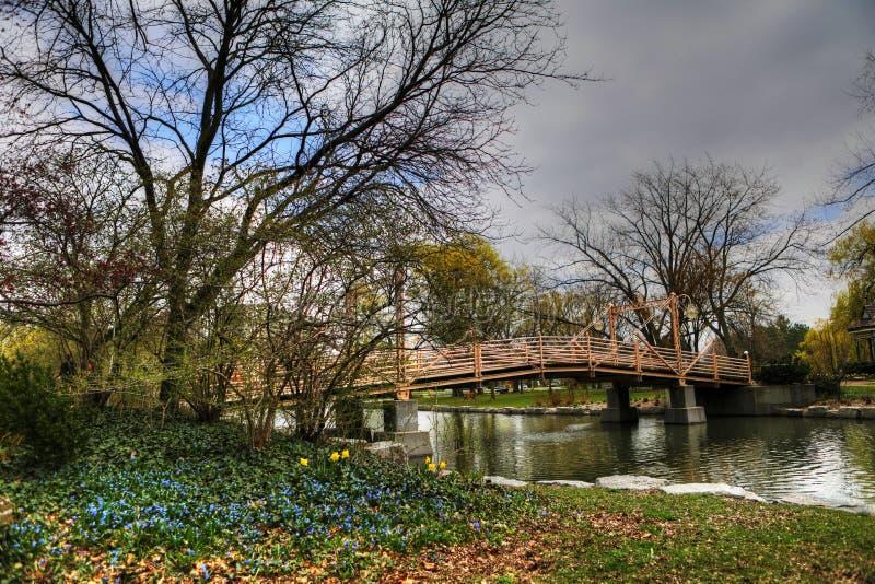 Ponte pedonale nel Victoria Park, Kitchener, Canada fotografia stock