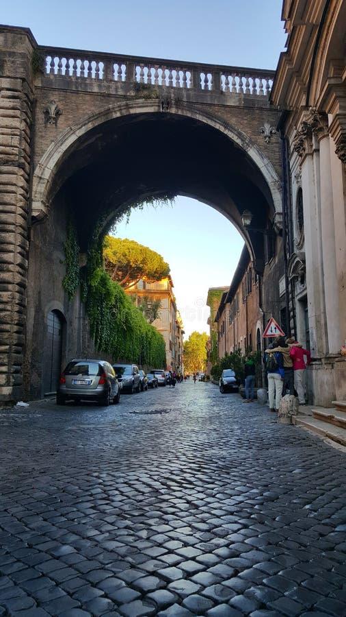 Ponte più via Giulia, Roma, Italia fotografia stock libera da diritti