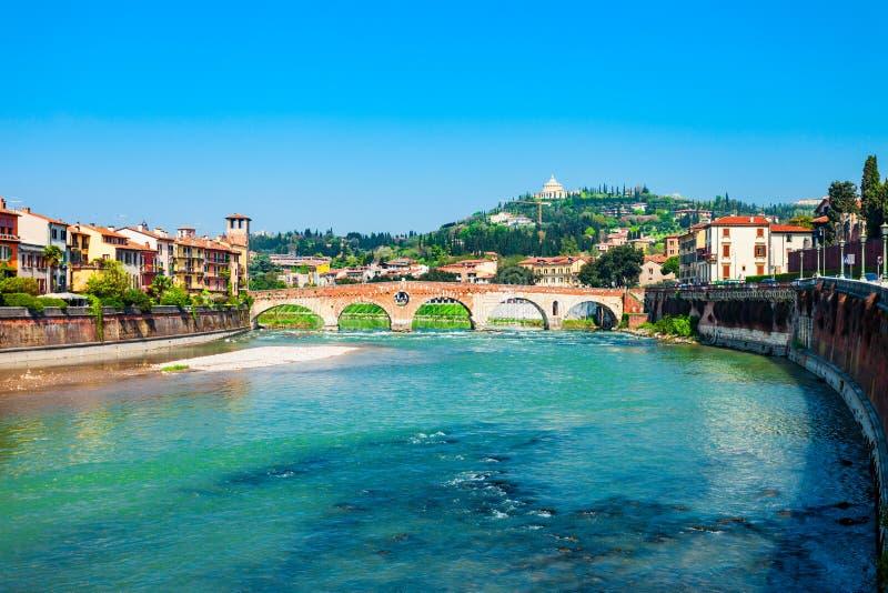 Ponte Pietra most w Verona fotografia stock