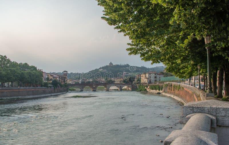 Ponte Pietra most w Verona, północny Włochy obraz royalty free