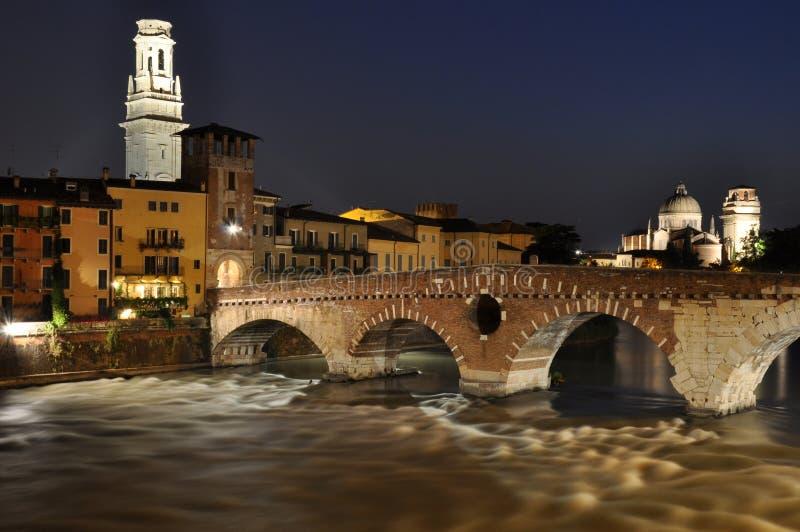 Ponte Pietra Rzeczny Adige w Verona fotografia stock