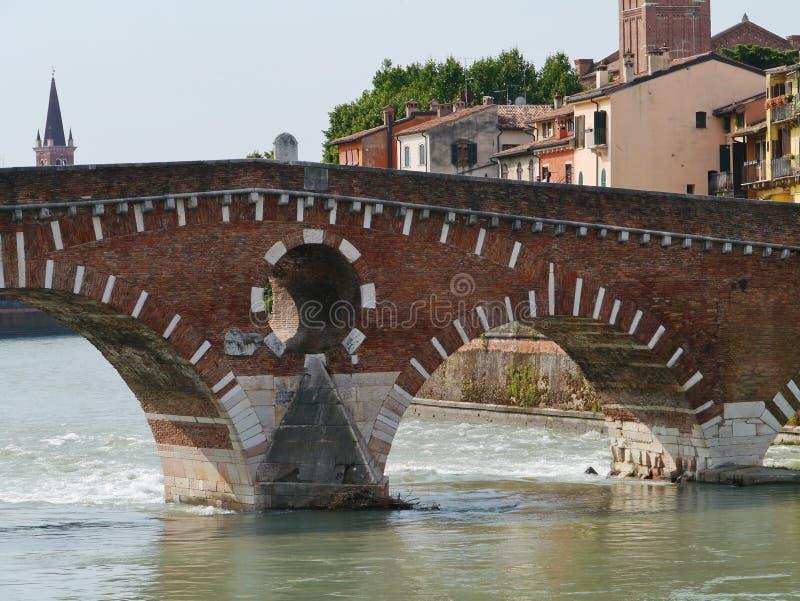 Ponte Pietre un puente en Verona en Italia fotos de archivo libres de regalías