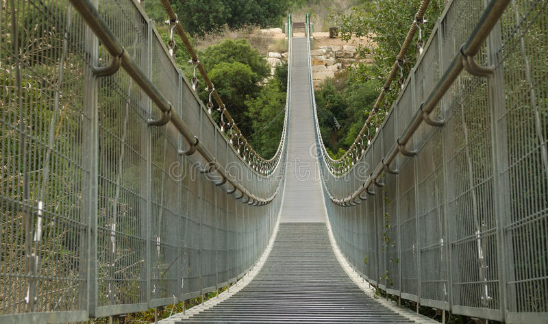 Ponte provvisto di cardini. Israele fotografie stock