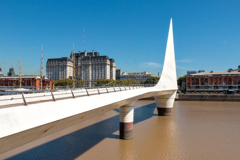 A ponte Puerto Madero das mulheres, Buenos Aires Argentinien foto de stock royalty free