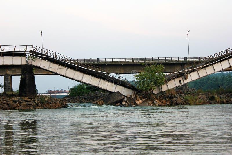 Ponte quebrada fotografia de stock