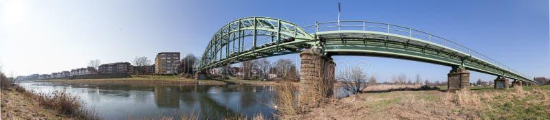 a ponte railway minden dentro o panorama alto da definição de Alemanha foto de stock