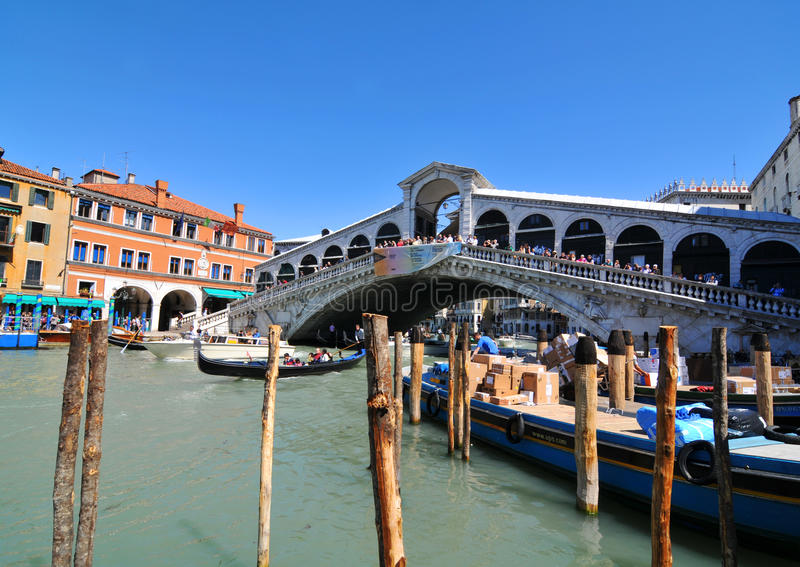 Download Ponte Rialto, Venice editorial image. Image of landmarks - 24978605