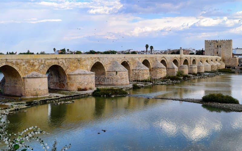 Ponte romana de Córdova, Spain foto de stock