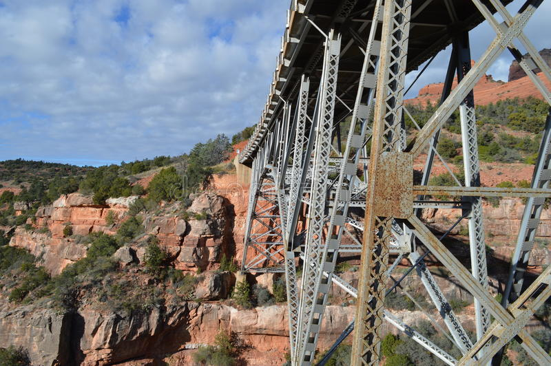 Ponte Sedona Moutains fotos de stock royalty free