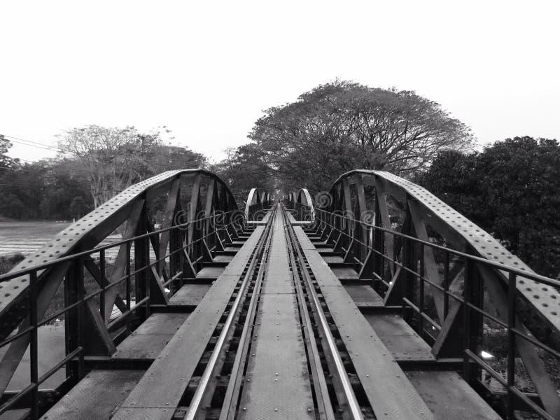 ponte sobre o kwai do rio imagens de stock