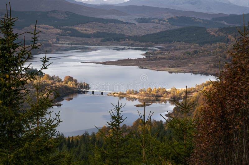 Ponte sobre o lago imagem de stock royalty free