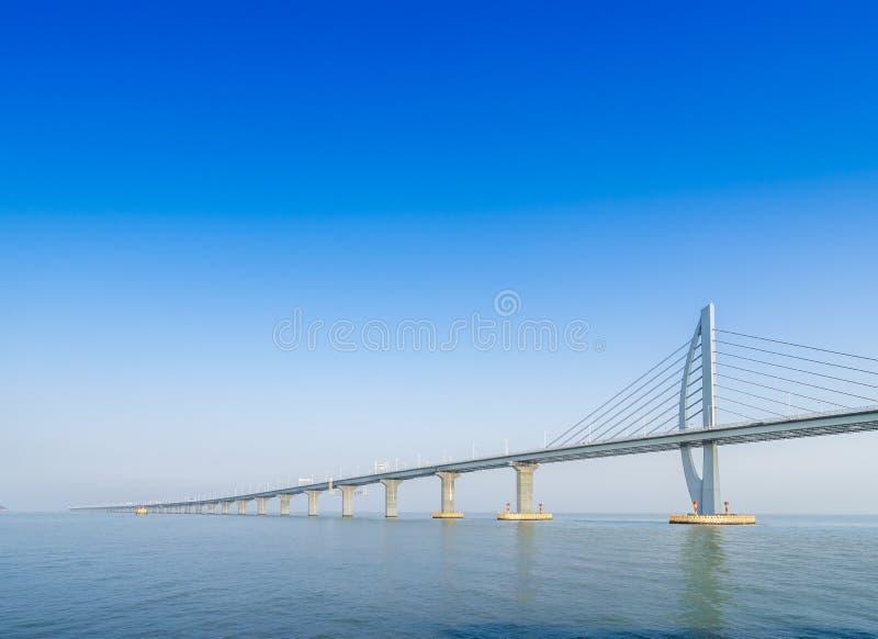 Ponte sobre o mar em Zhuhai China fotos de stock