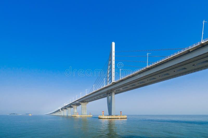 Ponte sobre o mar em Zhuhai China foto de stock royalty free