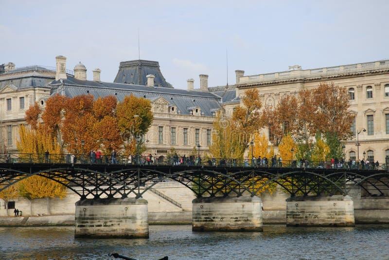 Ponte sobre o rio Seine foto de stock royalty free