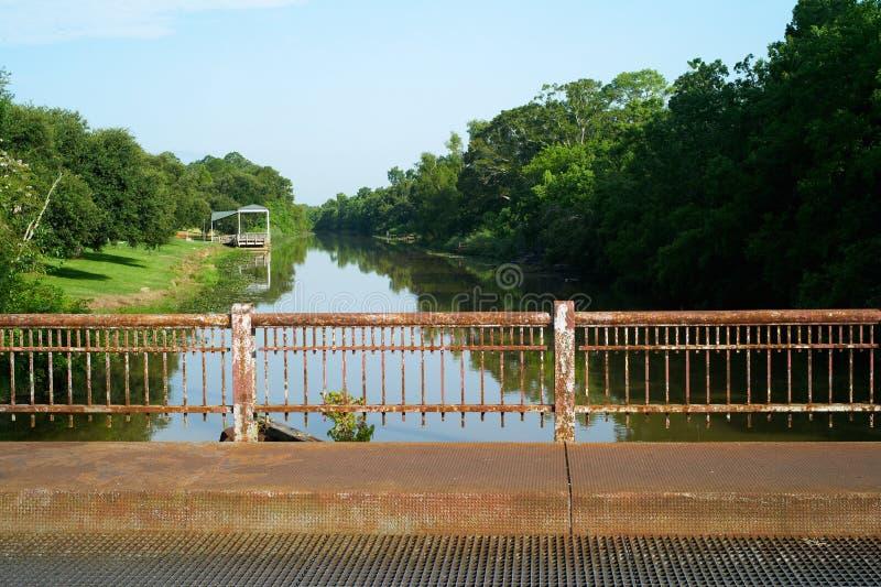 Ponte sopra il ramo paludoso di fiume Teche, ponte di Breaux, Luisiana fotografia stock libera da diritti