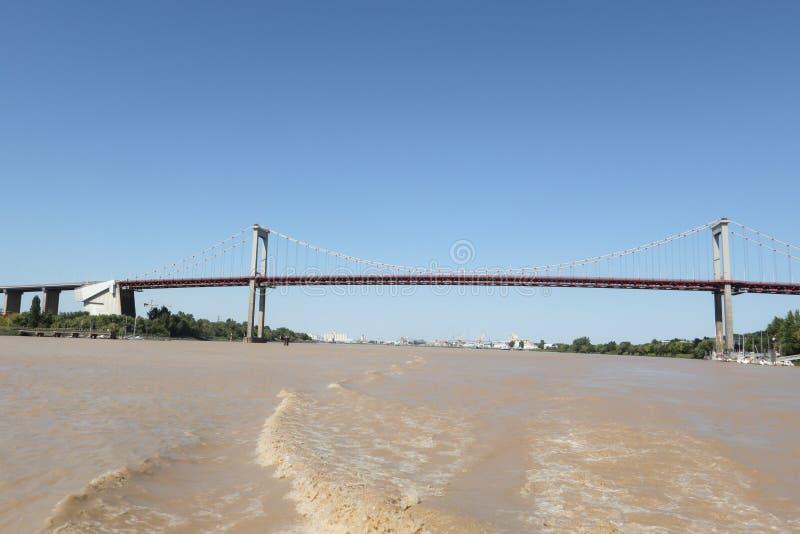 Ponte sospeso del fiume della Garonna di Aquitaine Bordeaux France immagini stock libere da diritti