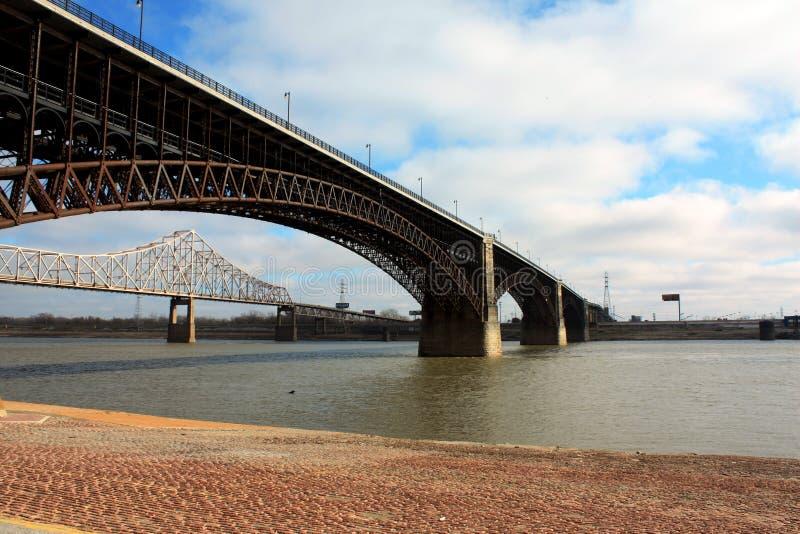Ponte a St. Louis, U.S.A. fotografia stock libera da diritti