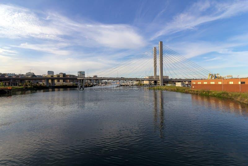 Ponte strallato dello SR 509 a Tacoma nello Stato del Washington fotografia stock libera da diritti