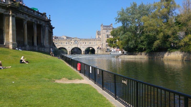 Ponte sul fiume della camma immagine stock