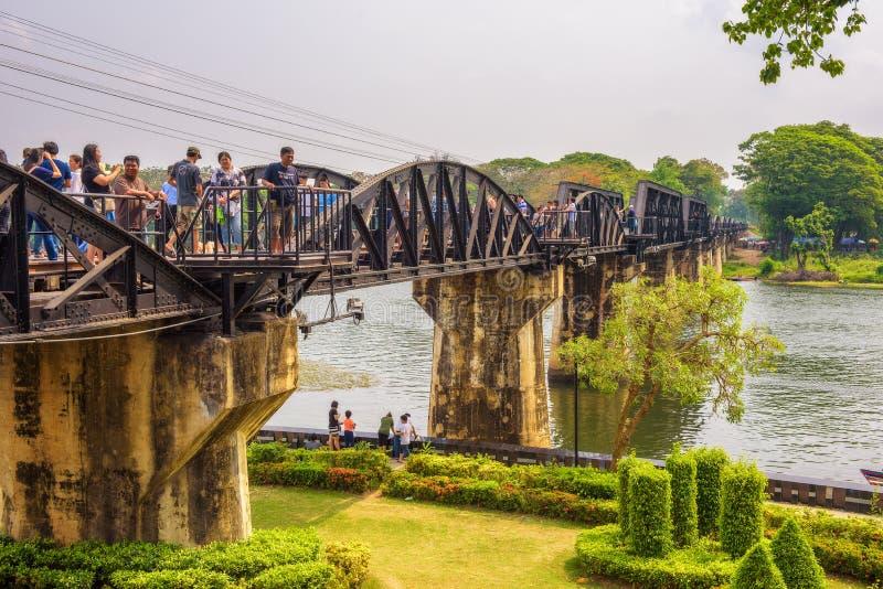 Ponte sul fiume Kwai e sulla ferrovia di morte immagine stock