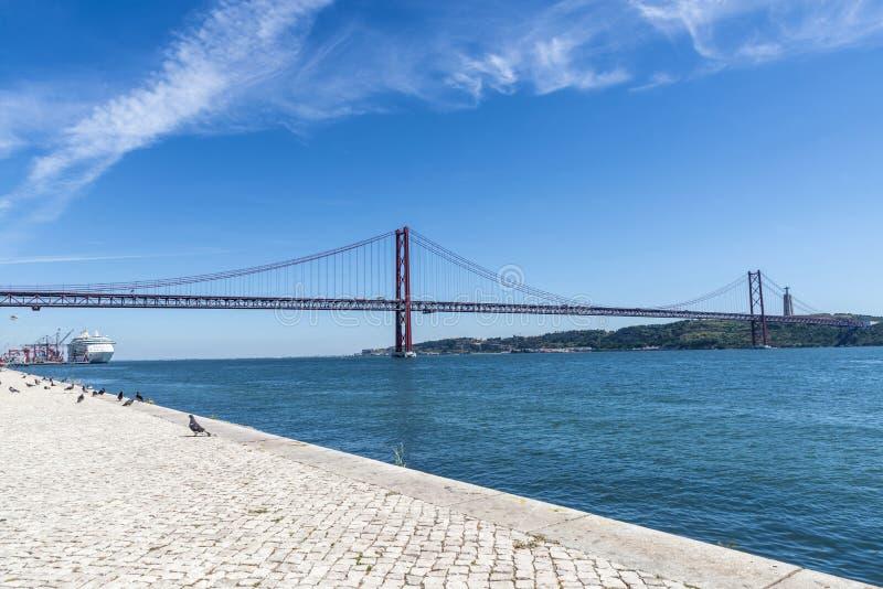 Ponte sul Tago, Lisbona, Portogallo fotografia stock libera da diritti