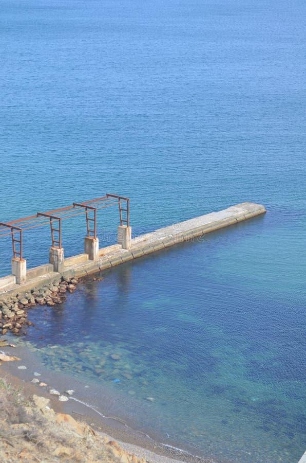 Ponte, a superfície do Mar Negro, mar, cais, Crimeia, fotografia de stock