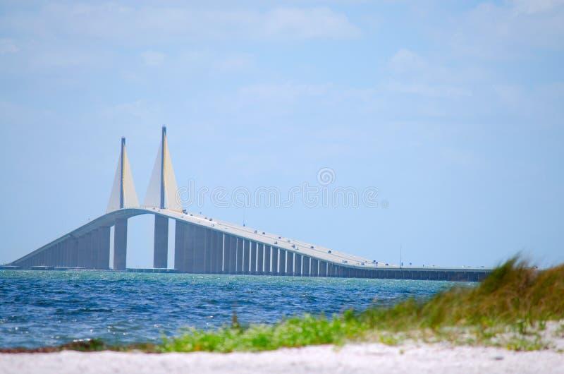 Ponte Tampa Bay de Skyway da luz do sol fotos de stock royalty free