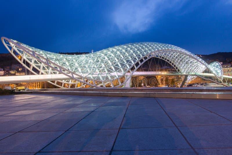 Ponte Tbilisi da paz fotos de stock royalty free