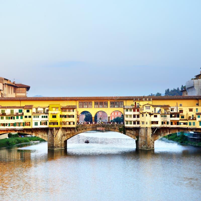 Ponte Vecchio överbryggar royaltyfri foto