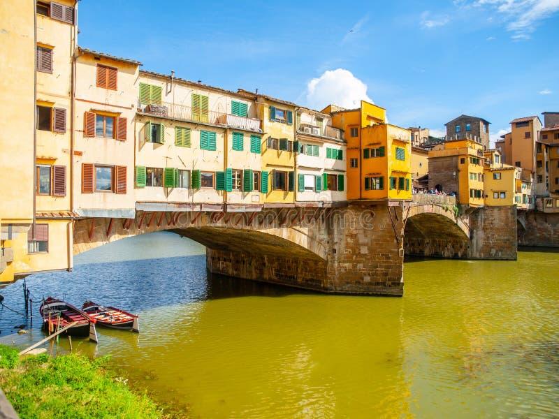 Ponte Vecchio πέρα από τον ποταμό Arno στη Φλωρεντία, Ιταλία στοκ φωτογραφία με δικαίωμα ελεύθερης χρήσης