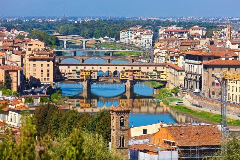 Download Ponte Vecchio в Флоренсе стоковое изображение. изображение насчитывающей собор - 37929197