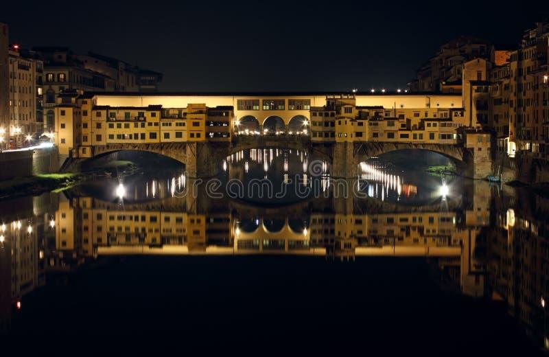 Ponte Vecchio к Ноча стоковое изображение rf