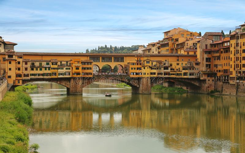 Ponte Vecchio Brücke in Florenz, Italien stockbilder