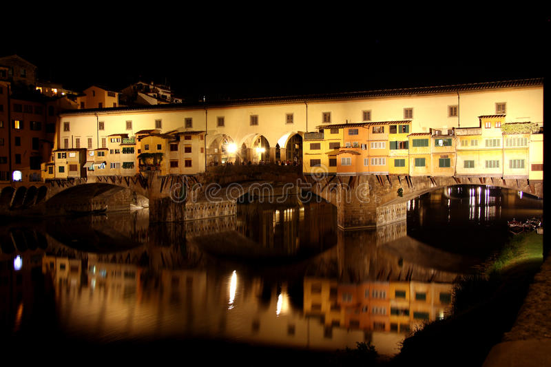 Download Ponte Vecchio Bridge In Florence At Night Stock Photography - Image: 31835762