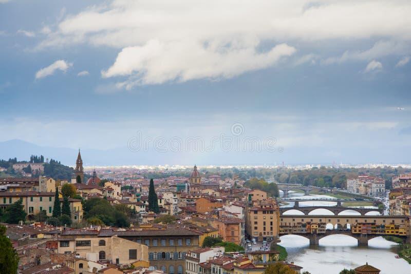 Ponte Vecchio de Piazzale Miguel ?ngel imagen de archivo