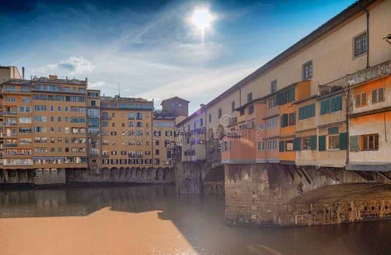 Ponte Vecchio en Florencia, Italia fotos de archivo