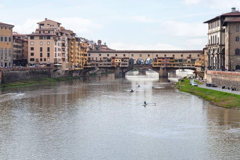 Ponte Vecchio nad Arno rzeką w autmun wieczór zdjęcie stock