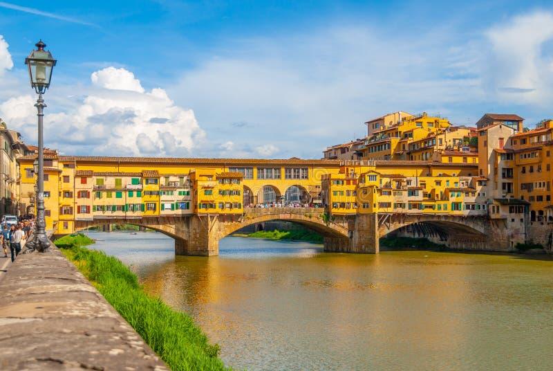 Ponte Vecchio over Arno-rivier in Florence, Italië royalty-vrije stock foto's